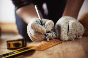 Цены на услуги плотника
