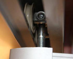 Сборка и установка дверей шкафа-купе в Москве