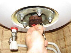 Демонтаж водонагревателей в