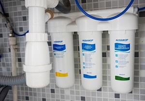 Установка фильтра для воды Аквафор в Москве