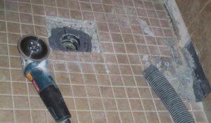 Как обустроить слив в полу для душа